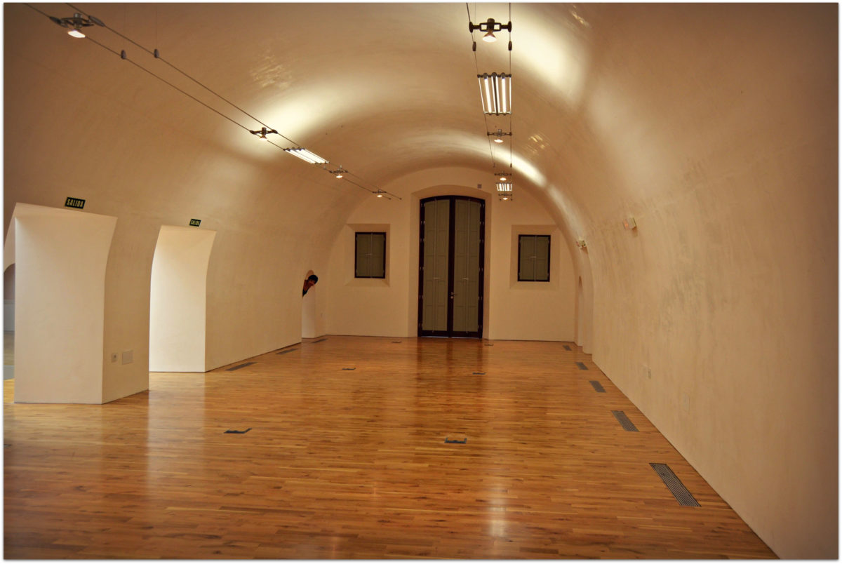 Museo titere antes instalacion fondos. foto inma sanjuan