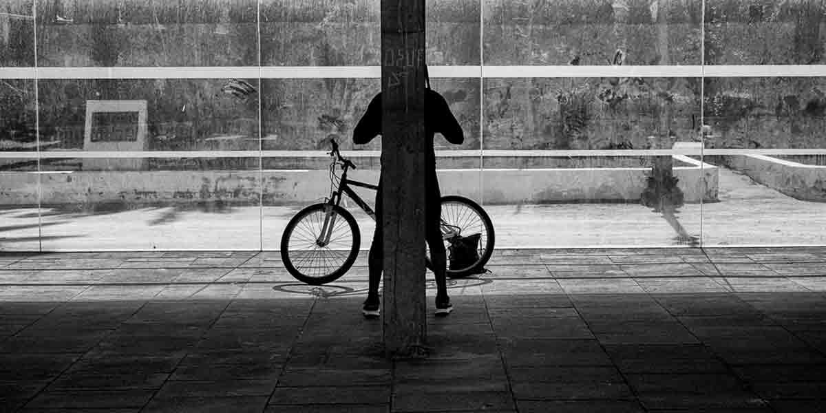 Chico bicicleta principal